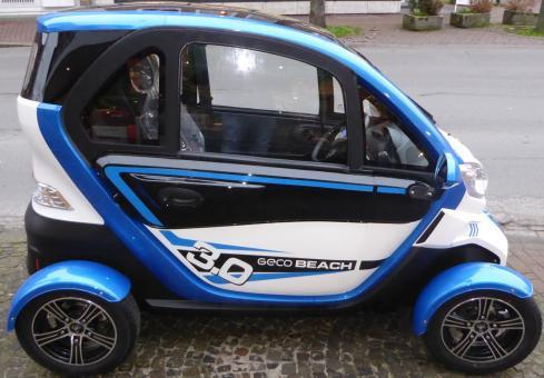 GECO Beach 4-Rad Kabinenroller 3kW Blau-Weiß