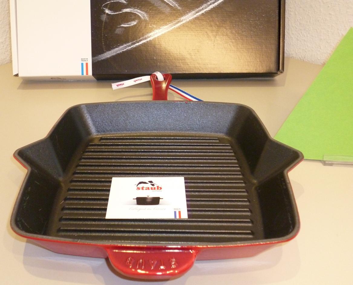 homann schenken kochen wohnen staub grillpfanne 26 x 26 cm gusseisen kirschrot induktion. Black Bedroom Furniture Sets. Home Design Ideas